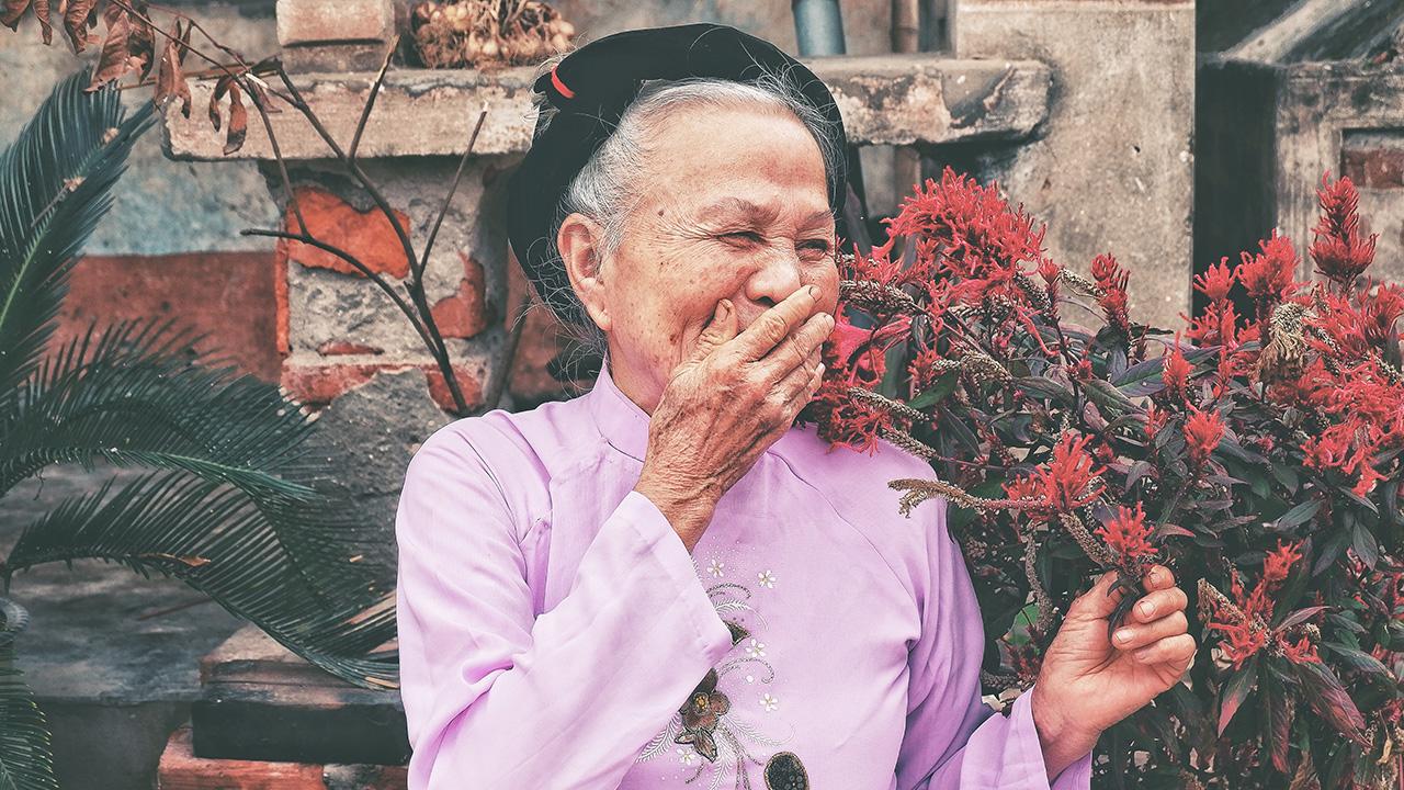 笑顔のおばあさん