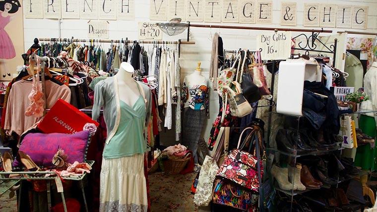 Waverley Antique Bazaar店内05