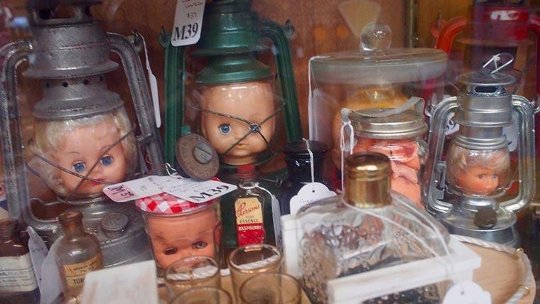 Waverley Antique Bazaar店内04